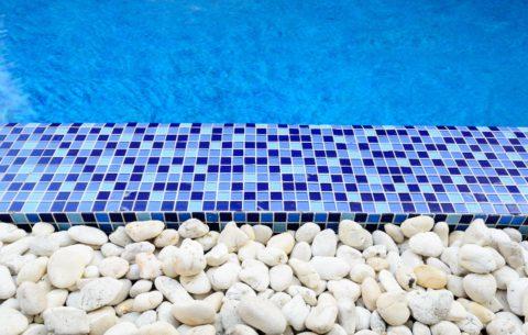 10 idées pour aménager le bord de sa piscine