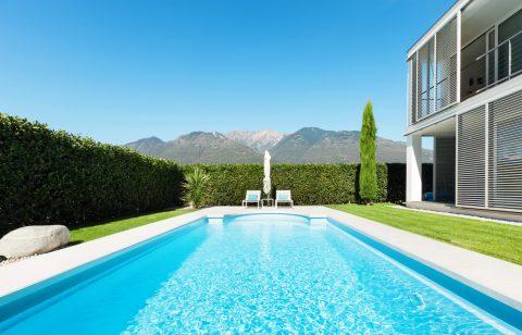 Les caractéristiques d'une piscine en coque acrylique
