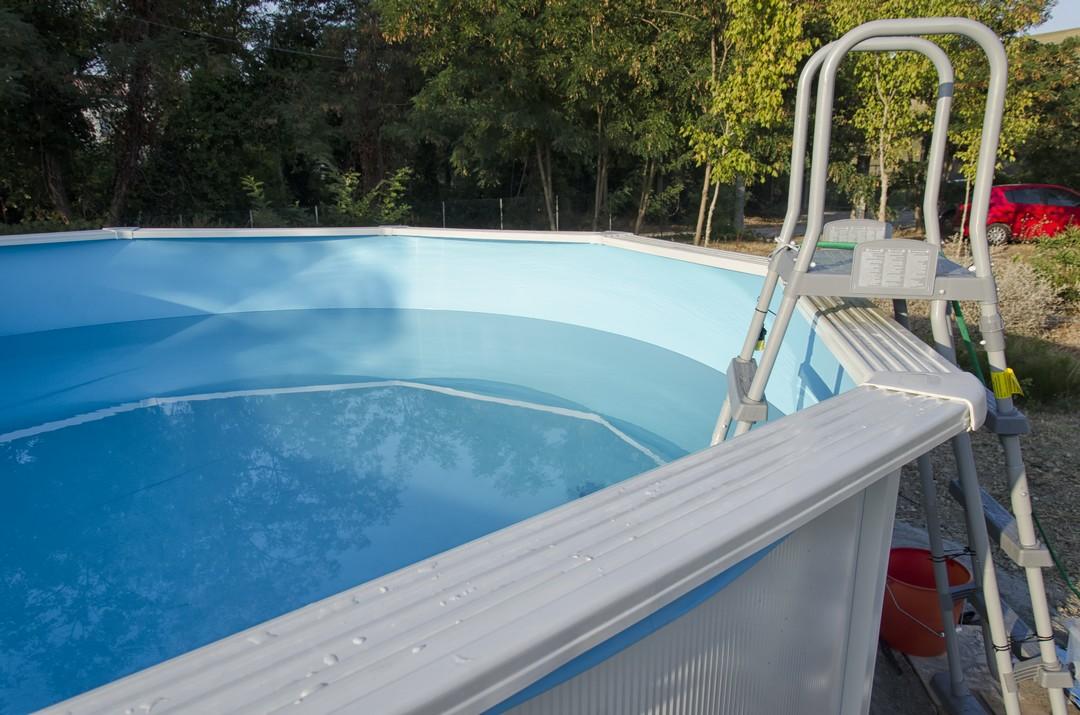 Les atouts d une piscine en coque de polyester for Piscine en coque polyester