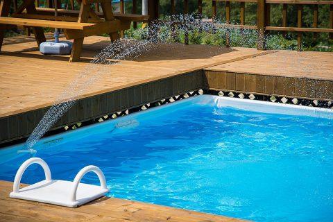 Ce n'est pas la forme de piscine la plus connue, bien que la piscine en acier se trouve depuis longtemps sur le marché.