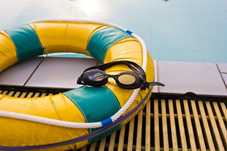 Assurances et garanties d'un pro pour l'installation de sa piscine