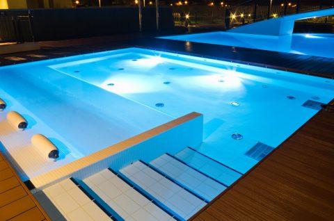 Anti-dérapant et piscine