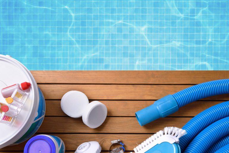 Les produits à ne surtout pas utiliser dans une piscine