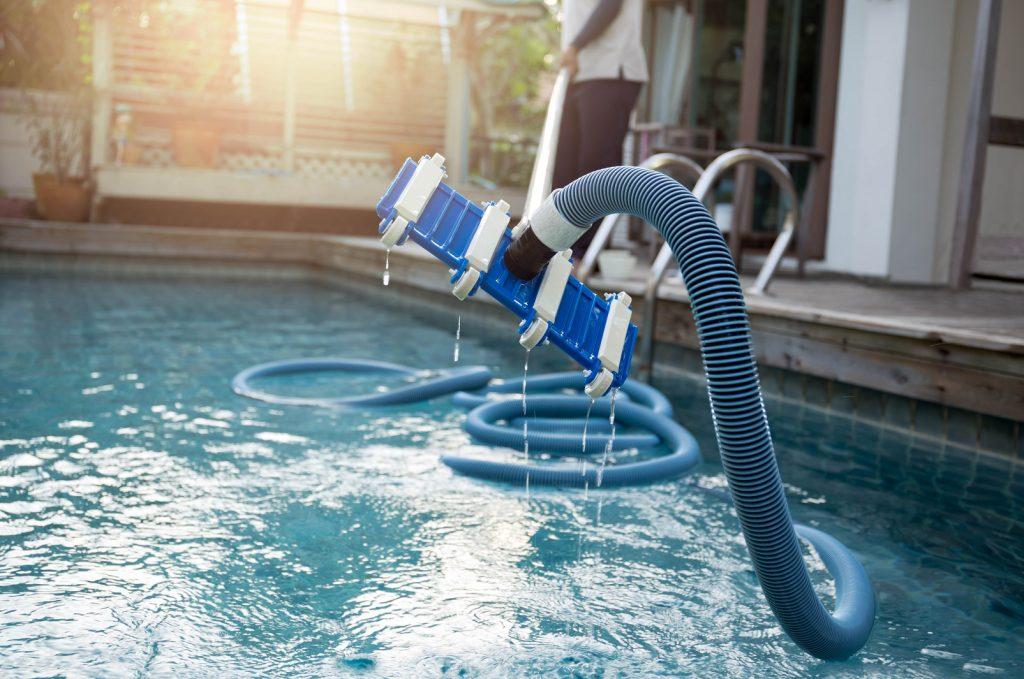 Nettoyage aspirateur piscine